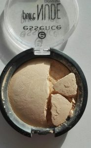 Essence Pure Nude Powder Image 3