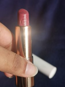 Essence This is Me Lipstick - 04 Crazy 6